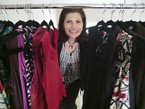 scarlett-in-closet
